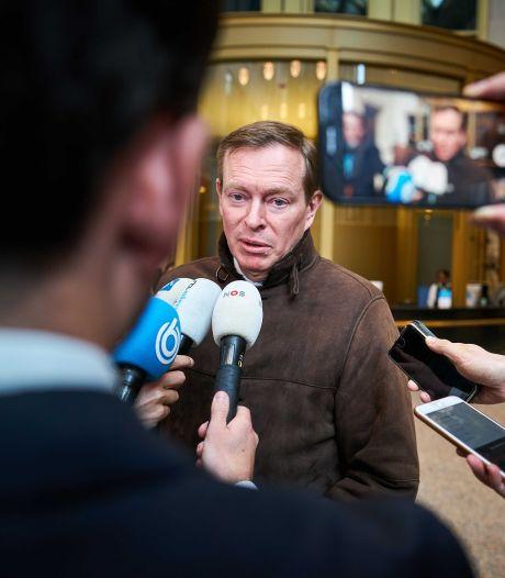 Minister Bruins: Nederland kan niet in één keer op slot, want dan worden we later alsnog ziek