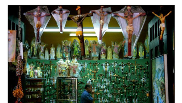 Kruisbeelden zijn niet meer verplicht. Foto ANP Beeld