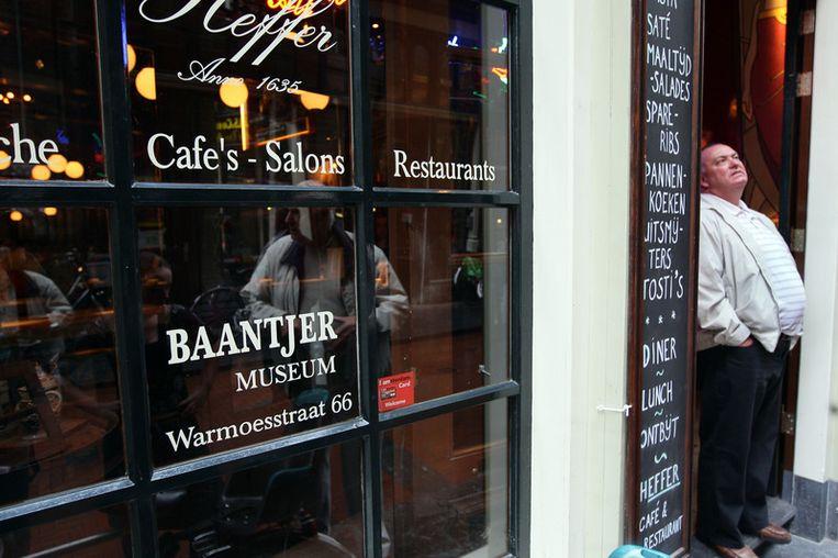 De ingang van het Baantjermuseum, dat in mei 2008 in de kelder van cafe Heffer aan de Warmoesstraat werd geopend. <br /> Beeld