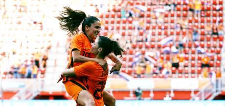 Leeuwinnen maken gehakt van Noorwegen en trakteren fans op zeven goals
