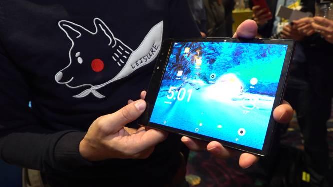VIDEO. Kijk hoe de eerste opvouwbare smartphone ter wereld werkt