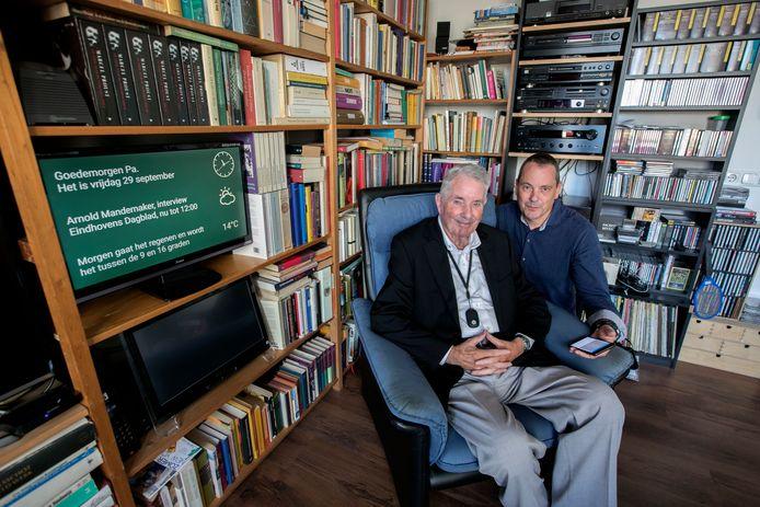 Nuenen Noud Wilders helpt zijn 91-jarige vader die zelfstandig woont op afstand via een narrow casting systeem