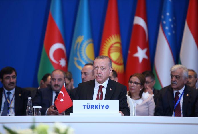 De Turkse president Tayyip Erdogan vandaag tijdens een vergadering van de Turkse Raad, een internationale organisatie tussen landen met een Turkssprekende bevolking, in de Azerbeidzjaanse hoofdstad Bakoe.