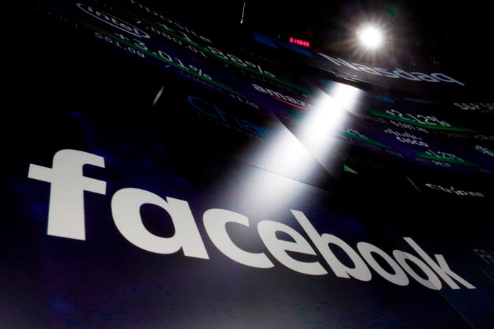 Facebook voert vanaf vandaag strengere regels in voor politieke advertenties, in aanloop naar de Europese verkiezingen eind mei.