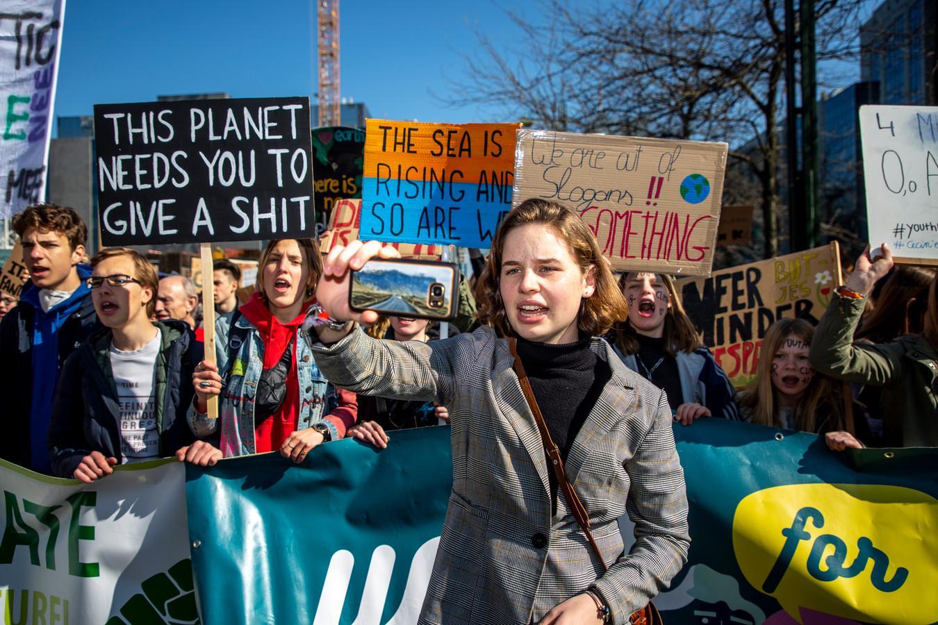 """De VRT erkent dat ze veel bericht heeft over de klimaatmarsen, """"maar te weinig de kritische stem heeft aangevoeld van mensen die het beu waren""""."""