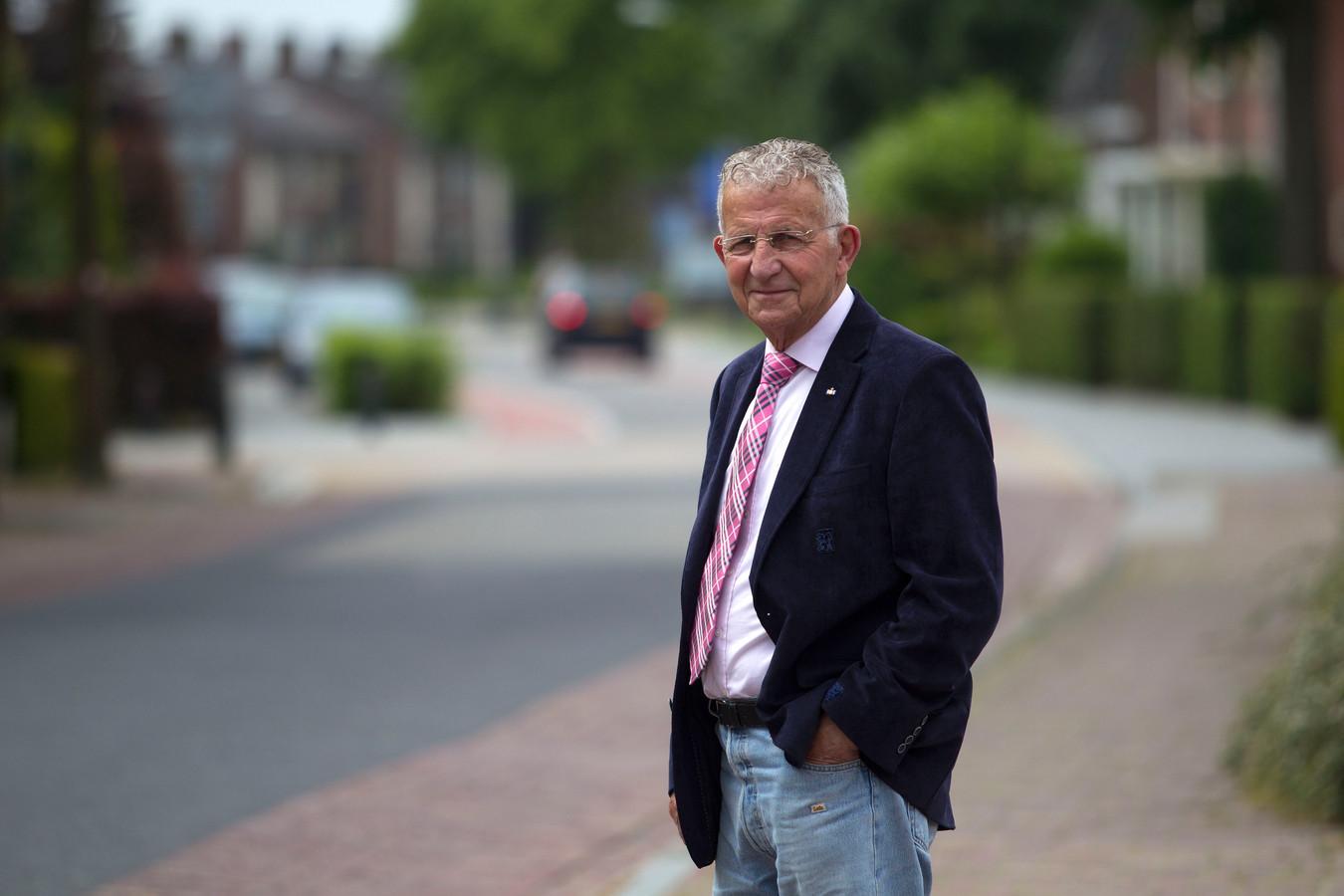 """Toon Bouw is al sinds 1967 bestuurlijk betrokken bij de ronde van Gerwen en nu al meer dan dertig jaar voorzitter van het plaatselijke wielercomité. ,,Zoiets als dit hebben we nooit eerder meegemaakt."""""""