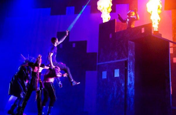 Wat eigenzinnige musical over superhelden had kunnen zijn, verzandt in genant theater (één ster)