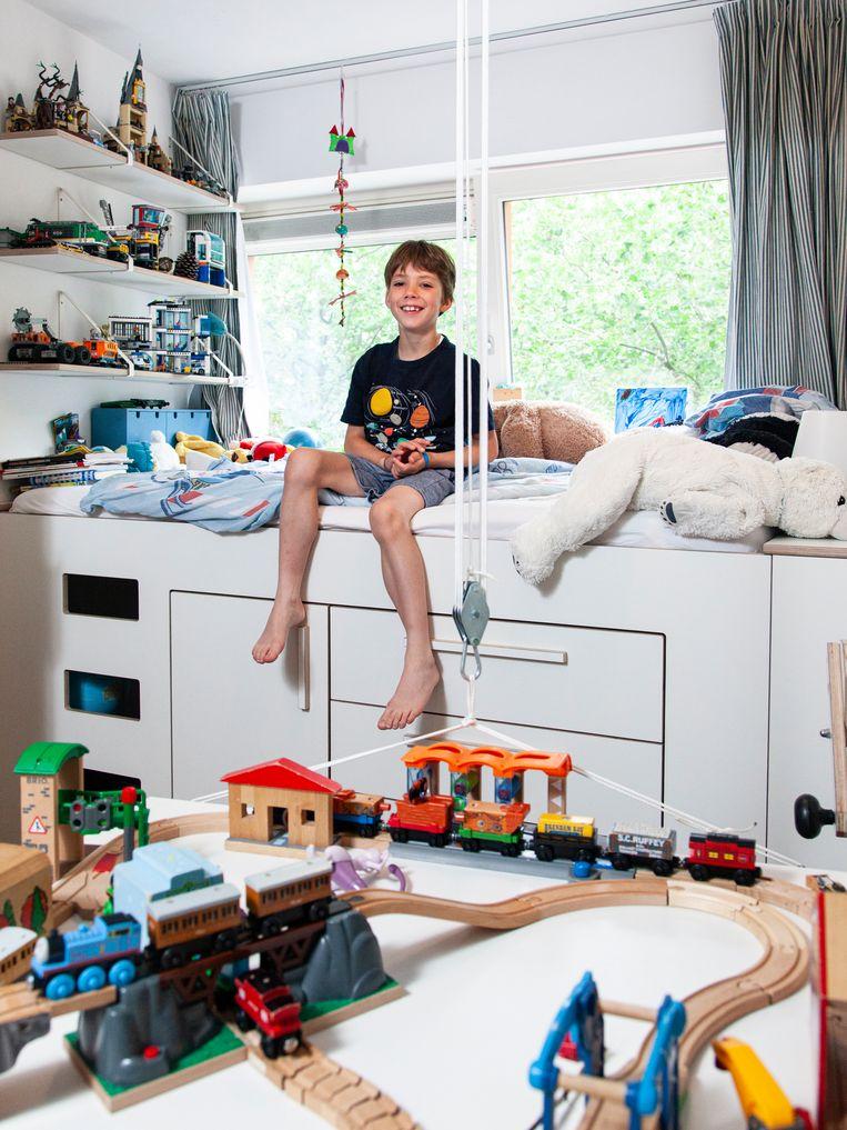 Abel van den Berge op zijn kamer. Beeld Adriaan van der Ploeg