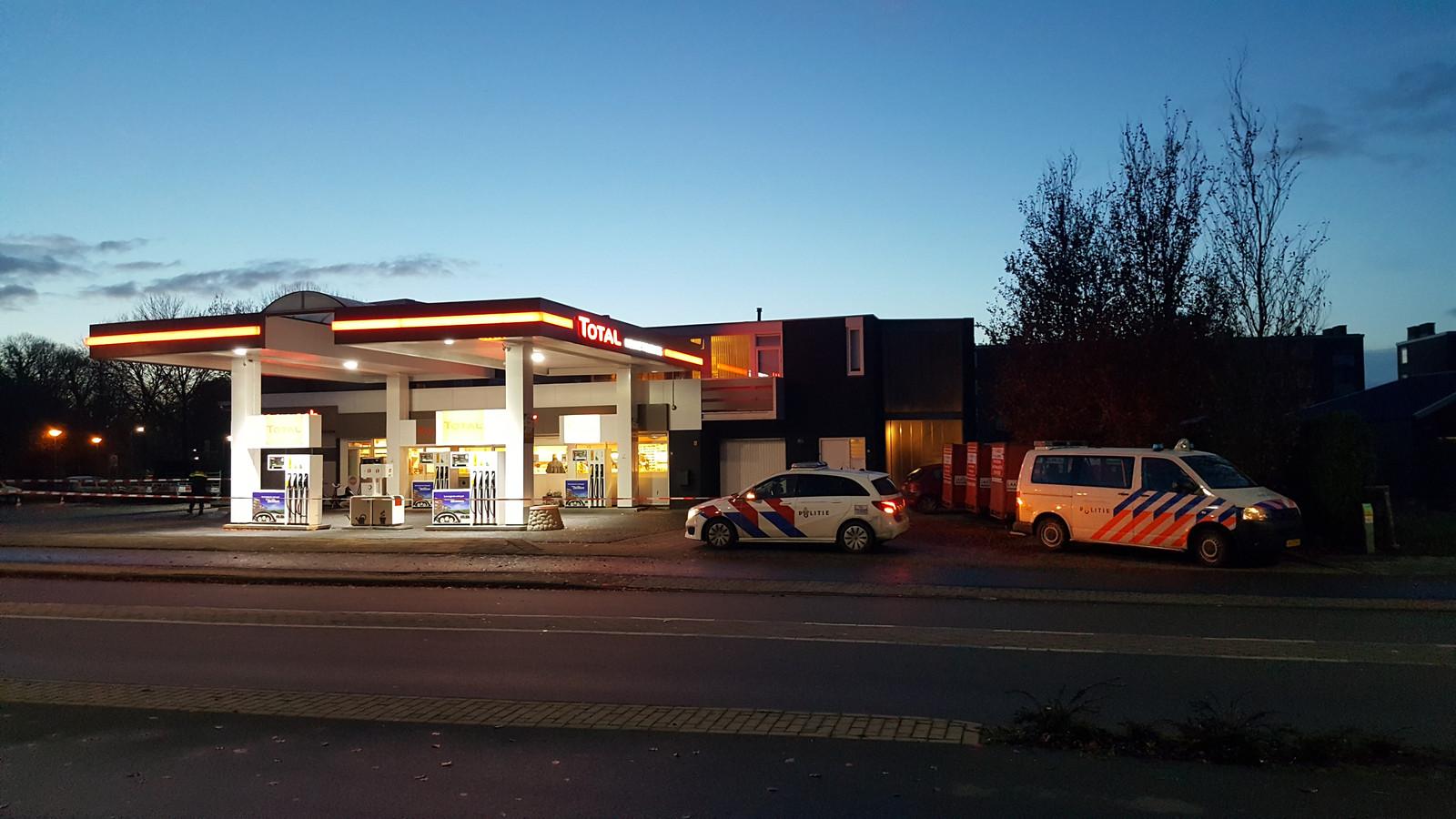 Het tankstation aan de Nieuwe Tielseweg in Tiel is overvallen.