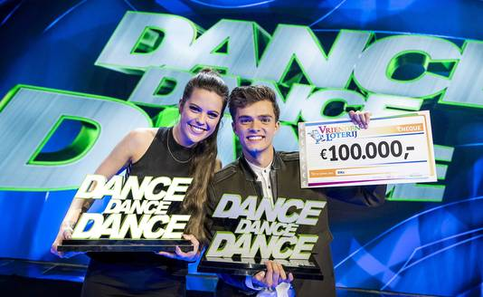 Buddy Vedder met danspartner Robin Martens na hun winst van Dance Dance Dance