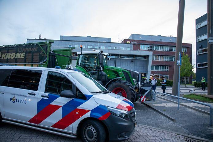 Boerenprotest bij Omroep Brabant in Son.