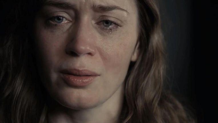 Pas als Rachel tegen het slot haar demonen bedwingt, voel je iets van haar pijn Beeld The Girl On The Train