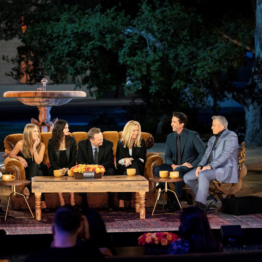 De cast van Friends' (L-R) Jennifer Aniston, Courteney Cox, Matthew Perry, Lisa Kudrow, David Schwimmer en Matt Leblanc.