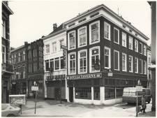 Haagse cafébazen losten problemen zelf op, met de vuisten: 'Daar kwam geen portier aan te pas'