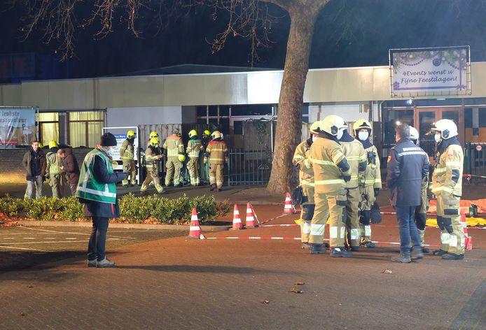 Veel brandweer bij het zwembad in Gennep.