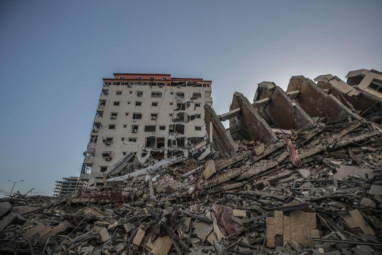 De Hanadi toren in Gaza Stad is verwoest.  Beeld EPA