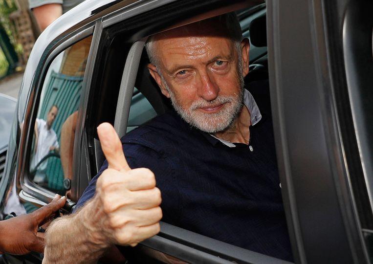 Labourleider Jeremy Corbyn heeft zichzelf al naar voren geschoven als waarnemend premier.  Beeld Foto Getty