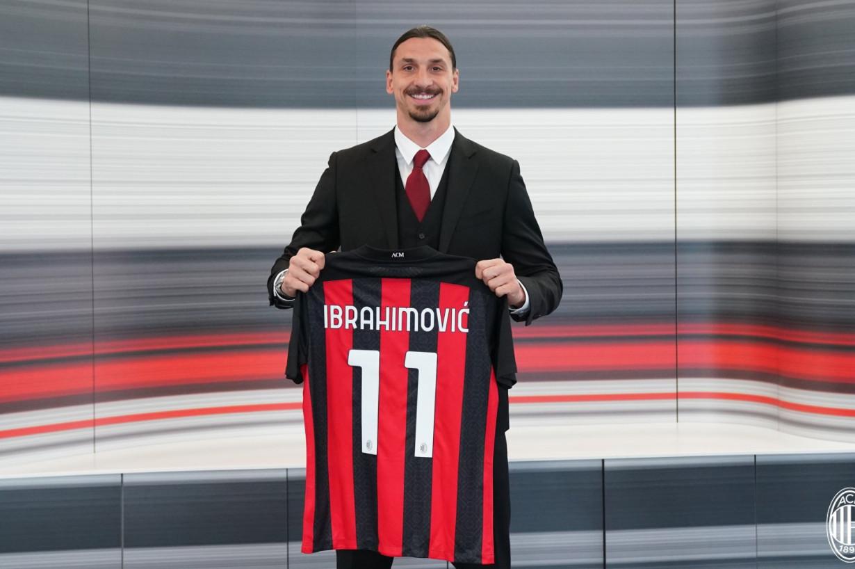 Zlatan verlengt tot 2022 bij AC Milan.