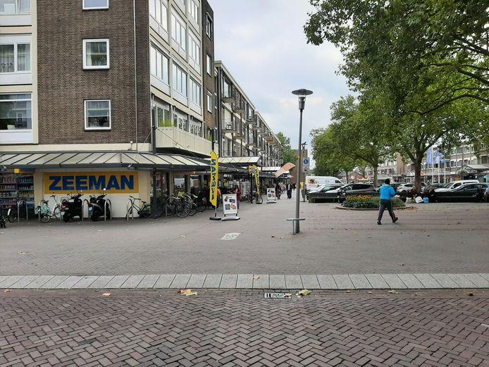 Op dit deel van het Adelaarsplein in Apeldoorn speelde de ruzie zich af.