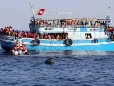 'Boot met honderden vluchtelingen zinkt voor kust Libië'