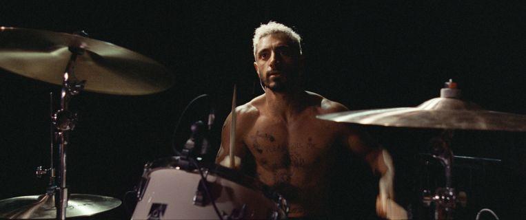 Riz Ahmed als de heavy metal-drummer die langzaam doof wordt. Beeld