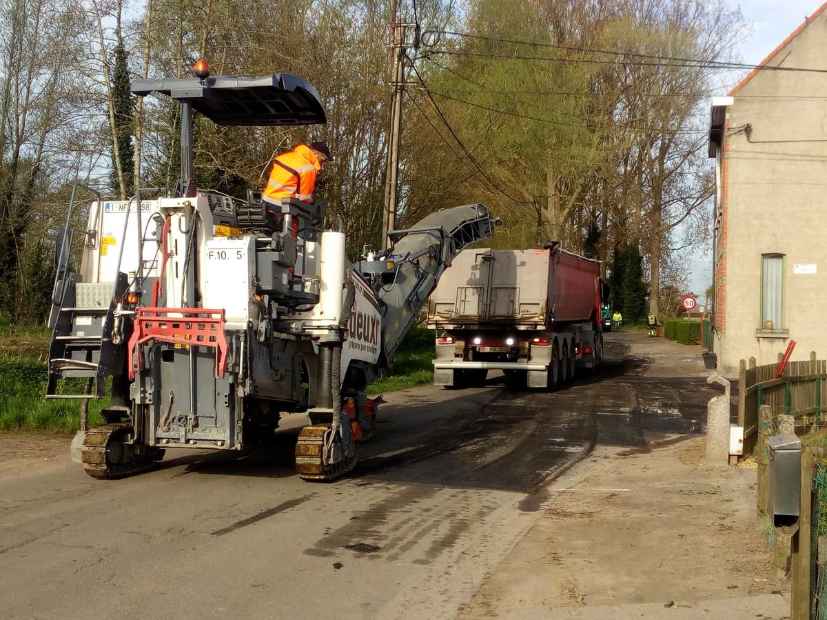 Beeld van asfalteringswerken.