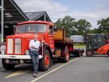 Rijk Wibbelink uit Goor vond na jaren zoeken zijn oldtimer Scania terug en is als een kind zo blij