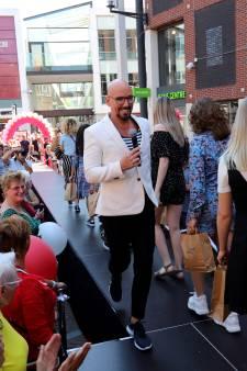 Spijkenissers laten zich graag kleden door topstylist Maik de Boer