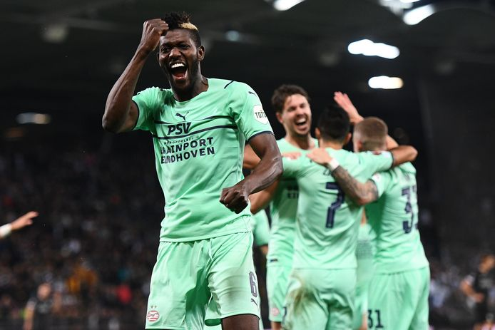 Ibrahim Sangaré is blij na zijn 0-1 in Graz.