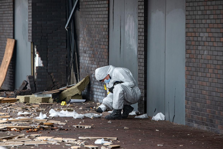 Sporenonderzoek na de ontploffing bij de Poolse super in Beverwijk.