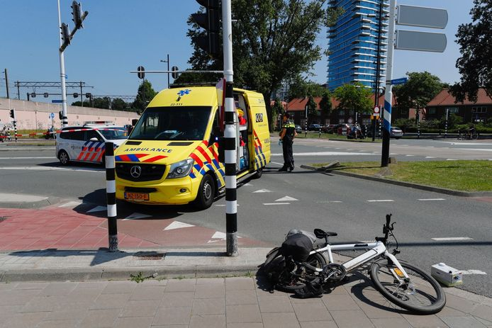 Ongeval kruising Glaslaan/Philitelaan in Eindhoven.