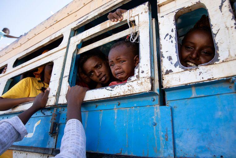 Vluchtelingen uit de Ethiopische provincie Tigray nabij de Soedanese grens. Beeld AP