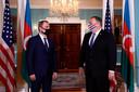 Le ministre azerbaïdjanais des Affaires étrangères, Djeyhoun Baïramov, et Mike Pompeo