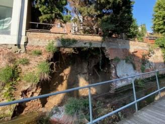 Oude kademuur stort in: Dijlepad afgesloten