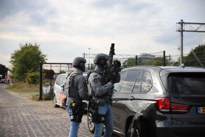 Er kwam zondag onder meer een special politieteam ter plaatse om de verdachte in te rekenen.