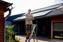 """""""Een batterij mag mij niet meer dan 4.000 euro kosten als ik ze op 10 jaar wil kunnen terugverdienen"""", zegt Jan Lenaerts."""