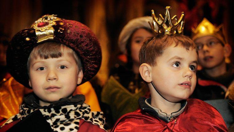 Kinderen vieren het feest van Drie Koningen Beeld ANP