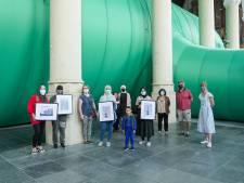 Nieuwe inwoners Schiedam krijgen kunst cadeau: 'Willen ze een warm welkom geven'