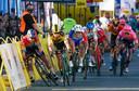 Het moment waarop het fout gaat in de Ronde van Polen.