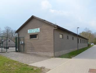 Deeltje basisschool De Lettertuin verhuist wellicht tijdelijk naar Kaatsweg: Plannen voor klascontainers na afbraak chalet kaatsclub