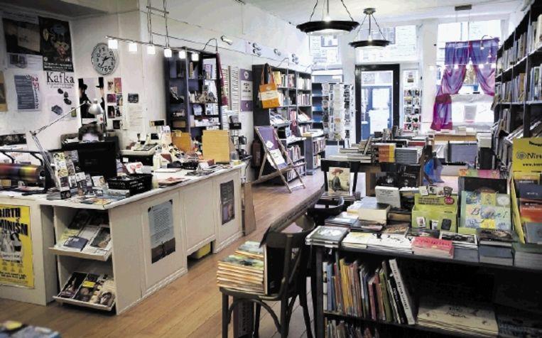 Voormalige vrouwenboekhandel Savannah Bay in Utrecht bestaat dit weekeinde 25 jaar. ( FOTO WERRY CRONE, TROUW) Beeld