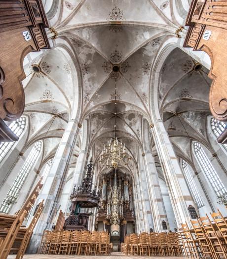 Silent disco tijdens kerst in Grote Kerk Zwolle