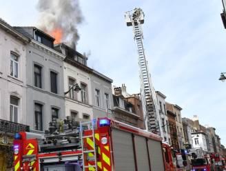 Zolderbrand in Molenbeek: 2 personen naar ziekenhuis door rookvergiftiging