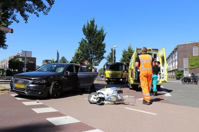 Het ongeluk gebeurde rond 15:00 uur op de Musicallaan in Utrecht.