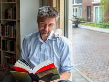 Schrijver Martijn Adelmund na uitbraak corona: 'Ik heb het plot direct omgegooid'