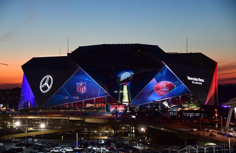 Het blitse Mercedes-Benz Stadium waarin de Super Bowl wordt afgewerkt.