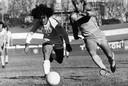 Een zestienjarige Diego Maradona in september 1977 in acite voor  Argentinos Juniors.