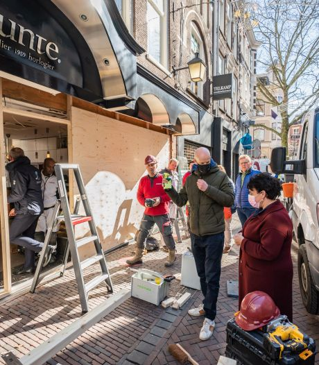 Drama voor Utrechtse winkeliers, éindelijk weer open.. en dan richt een plofkraak een enorme ravage aan