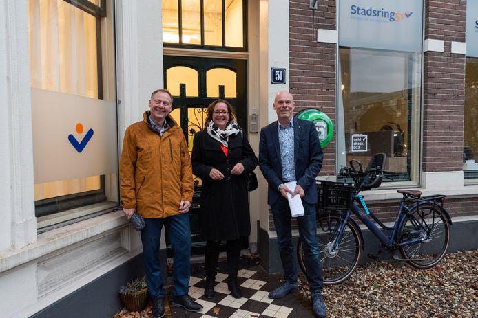 Directeur Dick van Maanen (l.), staatssecretaris Tamara van Ark en wethouder Cees van Eijk voor Stadsring51.