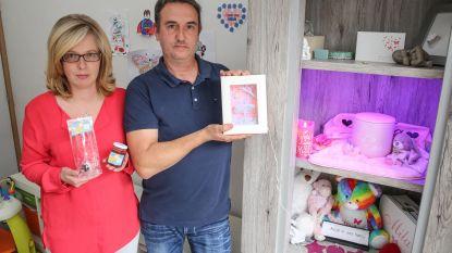 Ouders van sterrenkindje Mila zamelen 5.500 euro voor Boven De Wolken in